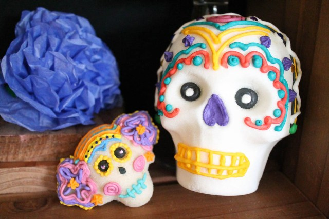 Day of the dead sugar skull decorating party