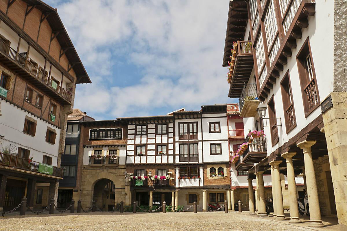 10 Mooie Balkons : Van de mooiste pleinen in spanje spanjetoptien