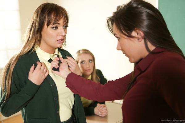 Sinn Sage dominates Charlotte Cross in front of new girl, Harley Jade