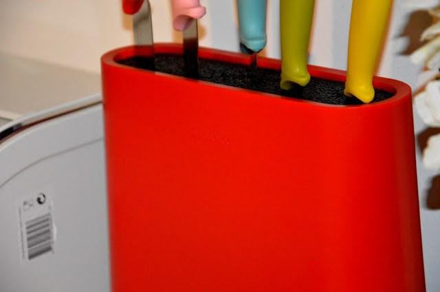DSC_0038 Brabantia Tasty Colours - Ceppo e coltelli nei colori gustosi