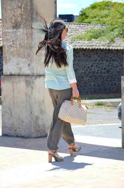 DSC_0206 Pantaloni alla turca e camicia color menta Sumissura