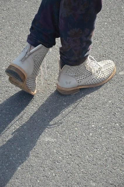 DSC_0046 Borsa Prada beige e tronchetti Felmini shoes