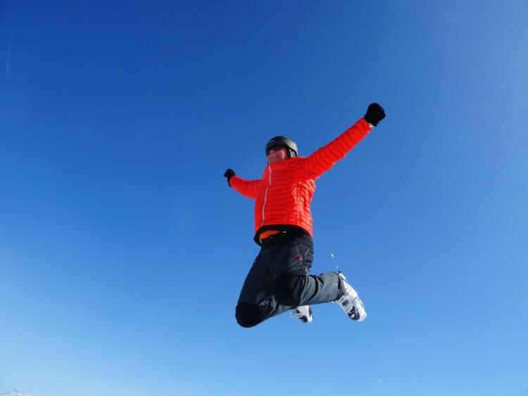 skiing-jump-sky-163270-1024x768 Cosa indossare durante la settimana bianca in montagna?