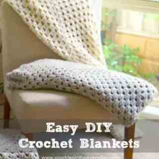 All the steps to Easy DIY Crochet Blankets
