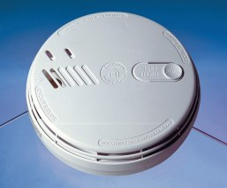 Aico Ei141 Ionisation Smoke Alarm With Hush & Mounting Plate