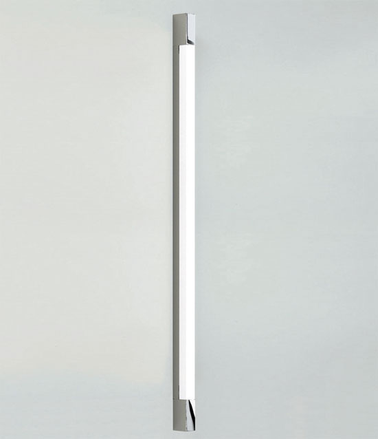 New Bathroom Wall Light, the Romano AX0667 above the mirror 600mm T4 14W light strip