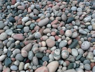 pebbles-56435_640