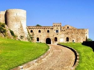 04 castello_ducale_bovino