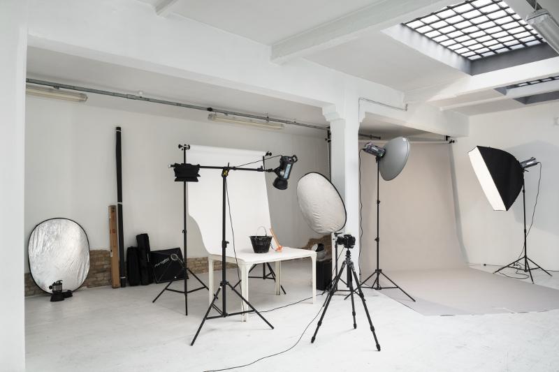 Corso di illuminazione con luci da studio spazio labo photography