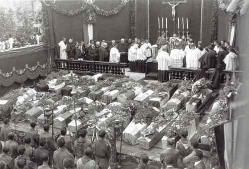 Funerali_solenni per i morti nella strage di Montalto, marzo '44 - foto sito storiamarche900.it