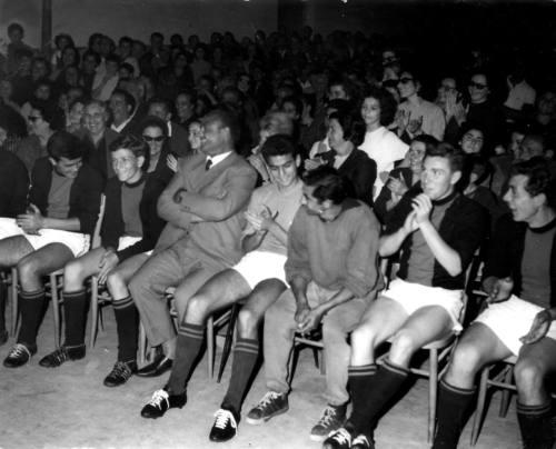 Giugno '64 - Nannì Monaldi alla premiazione dell'Adriatica Calcio