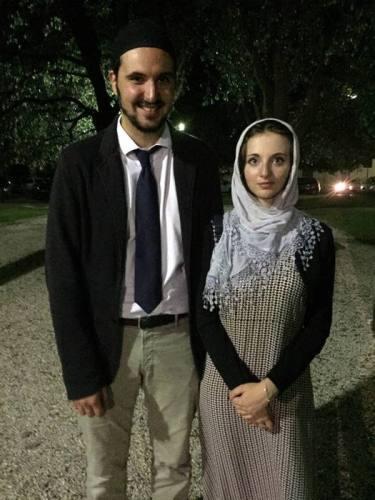 L'Imama di Fermo Ahmada Abd al- Aliyy Venanzi, con la fidanzata Asiyya Baldassarri Ansa