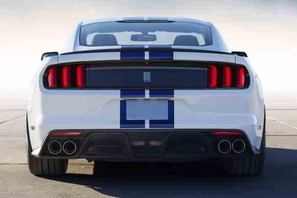 La Mustang GT350 se dote d'un nouveau diffuseur et de 4 sorties d'échappement !