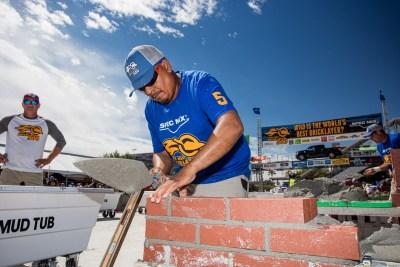 Manuel Hernandez working on his lead