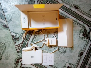 Infinix Hot 4 Lite Items in the box