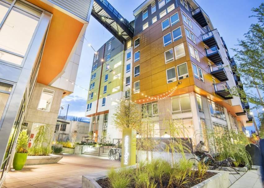 Bridges @ 11th Spectrum Seattle Apartments
