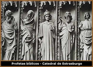 https://i1.wp.com/www.spectrumgothic.com.br/images/gothic/escultura_gotica02.jpg