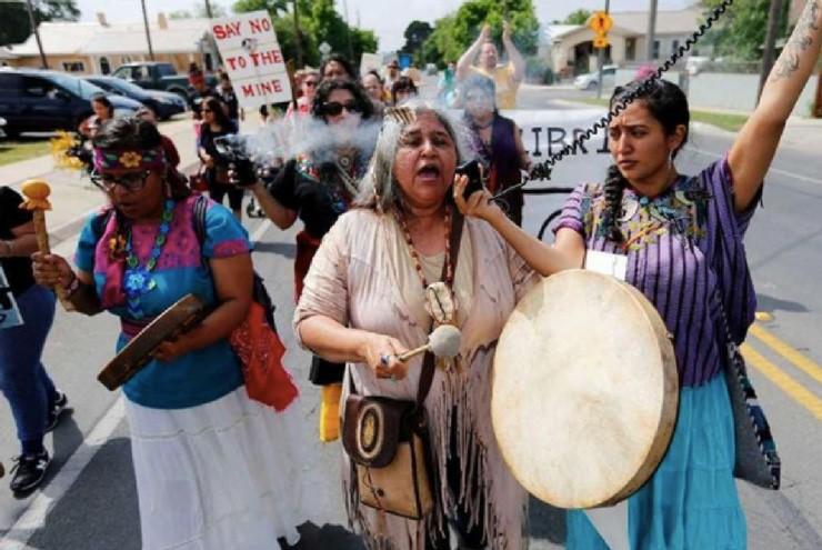 A photo of queer indigenous activist Eydka Chilomé.
