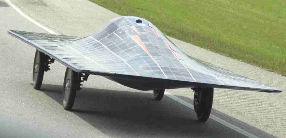 https://i1.wp.com/www.speedace.info/solar_cars/solar_car_images/auburn_university_solar_car_banked_road_test.jpg