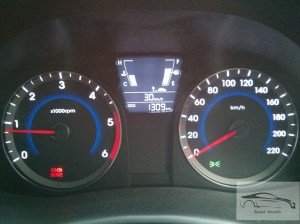 Hyundai verna CRDi 1.4 supervision instrument cluster with driver information display