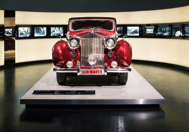 rolls-royce-exhibition-at-the-bmw-museum-in-munich-germany_100422255_m