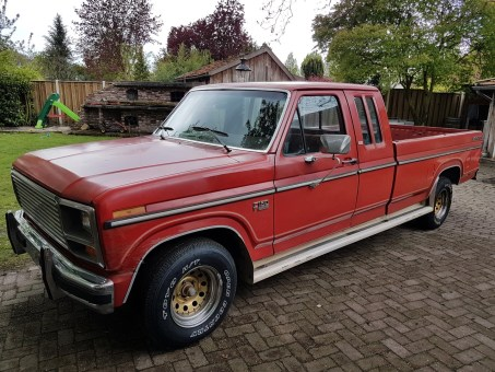 1985 Ford F150 Lariat extended cab 302ci