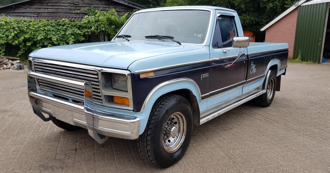 1984 Ford F250 331ci stroker V8 - slide