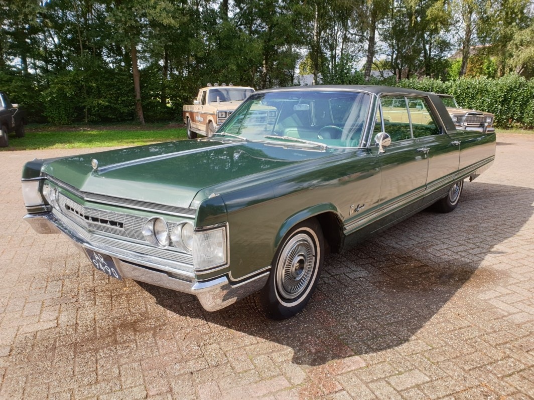 !1967 Chrysler Imperial 440ci V8 (1)