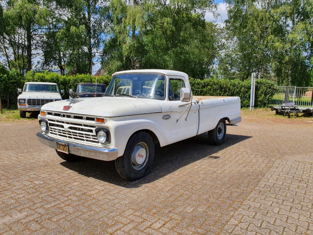 1966 Ford F250 352ci Manual (1)