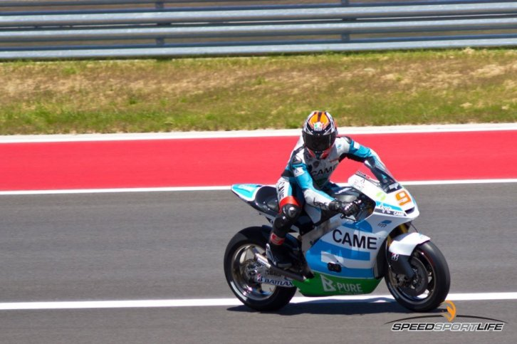 MotoGP-by-Jennifer-Stamps-8169-[1600x1200]