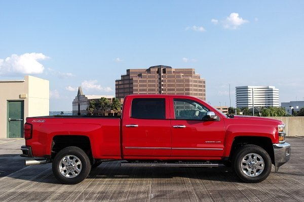 driven 2015 chevy silverado 2500hd 4x4 crew cab speed sport life. Black Bedroom Furniture Sets. Home Design Ideas