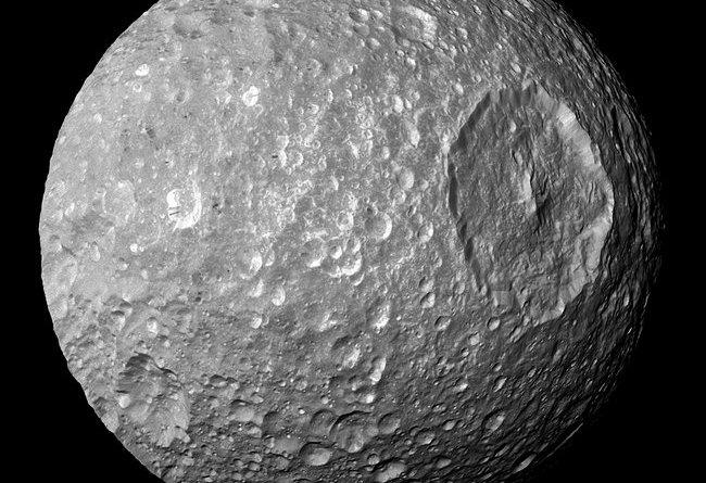 Mimas,maan van Saturnus