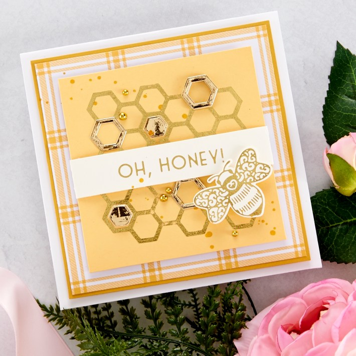 Spellbinders Becca Feeken Sweet Cardlets Glimmer Project Kit - Oh Honey Card #Spellbinders #NeverStopMaking #DieCutting #Cardmaking #GlimmerHotFoilSystem