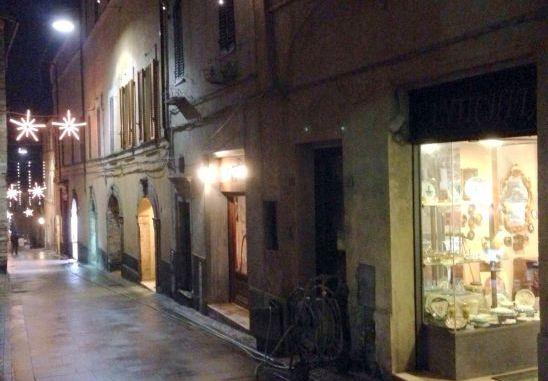 Via Cavour, completata pavimentazione tra Sant'Andrea e Piazza della Repubblica