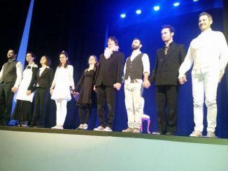 """Compagnia teatro regala 500 euro alla scuola infanzia Cannara Lo spettacolo è andato in scena Domenica 31 al Teatro comunale """"E.Tesorieri"""""""