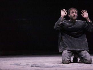 """Daniele Aureli in """"Teoria del cracker"""", venerdì al Teatro Subasio Spello"""