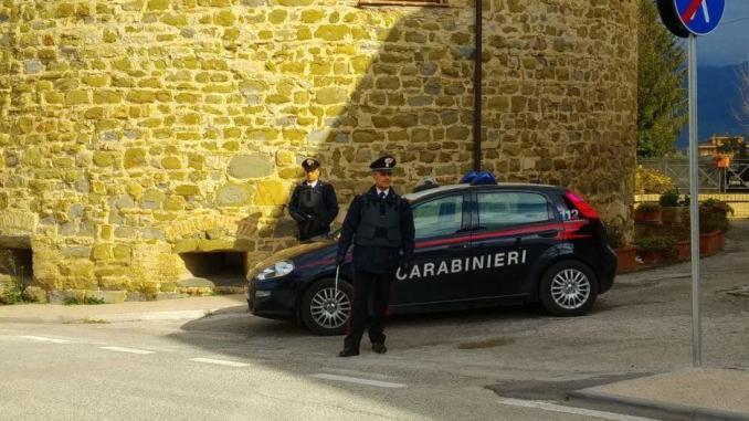 Cannara, Carabinieri segnalano 2 assuntori di droga, sequestrano 2 auto e ritirano 3 patenti
