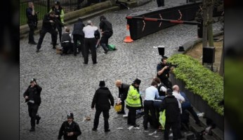 UK PARLIAMENT TERROR ATTACK - Shots Fired, Officer Stabbed, Pedestrians Mowed Down