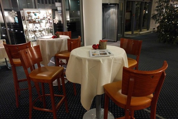 spend_life_traveling_hotel_review_trier