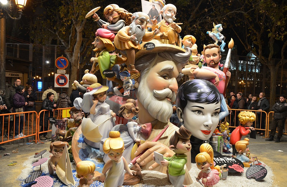 Crazy festivals in Spain: Las Fallas
