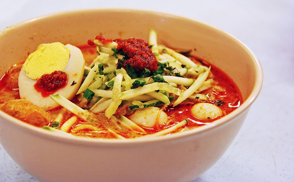 Food to try in Singapore: Laksa