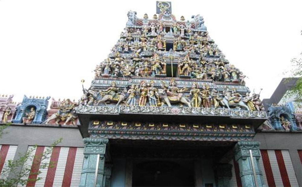 Things to see in Singapore: Sri Veeramakaliamman Temple
