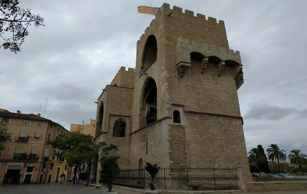 valencia_must_do_climb_city_tower
