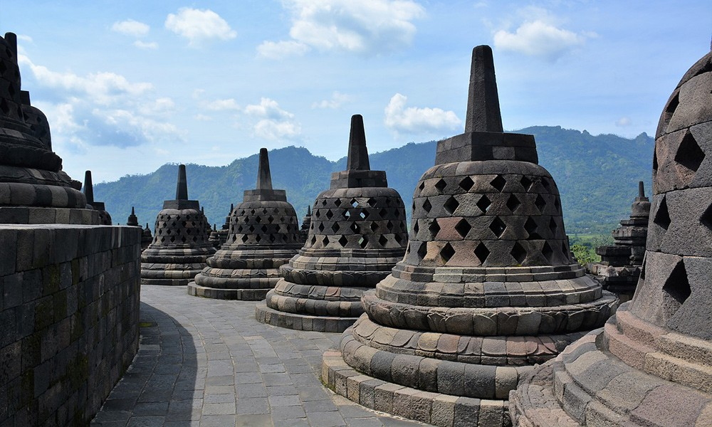 What not to miss when traveling to Indonesia: Borobudur temple, Java