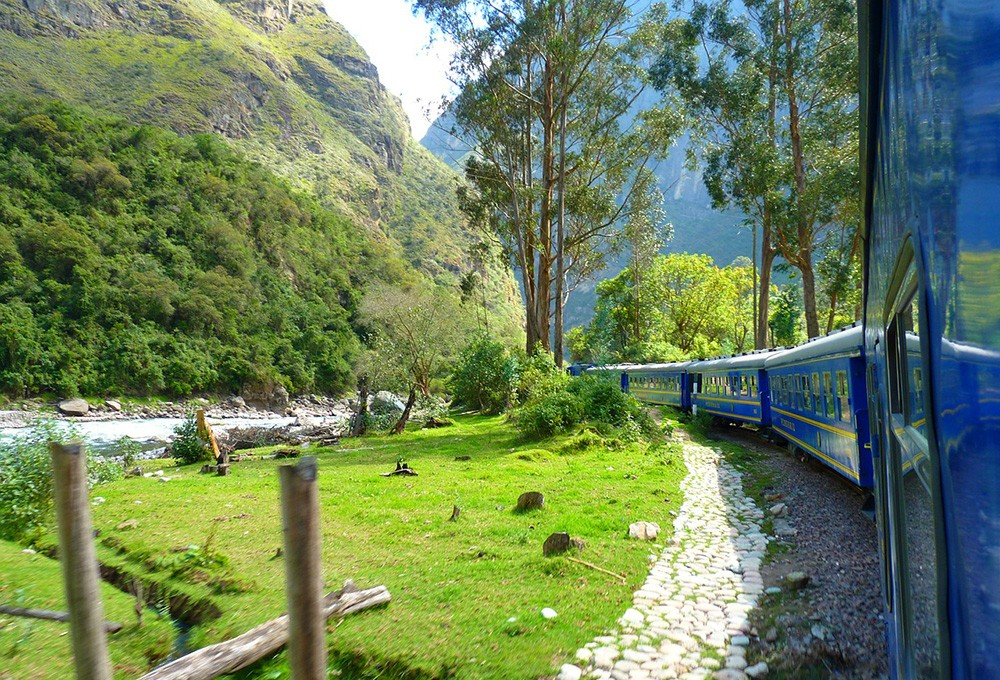 How to travel to Machu Picchu by train