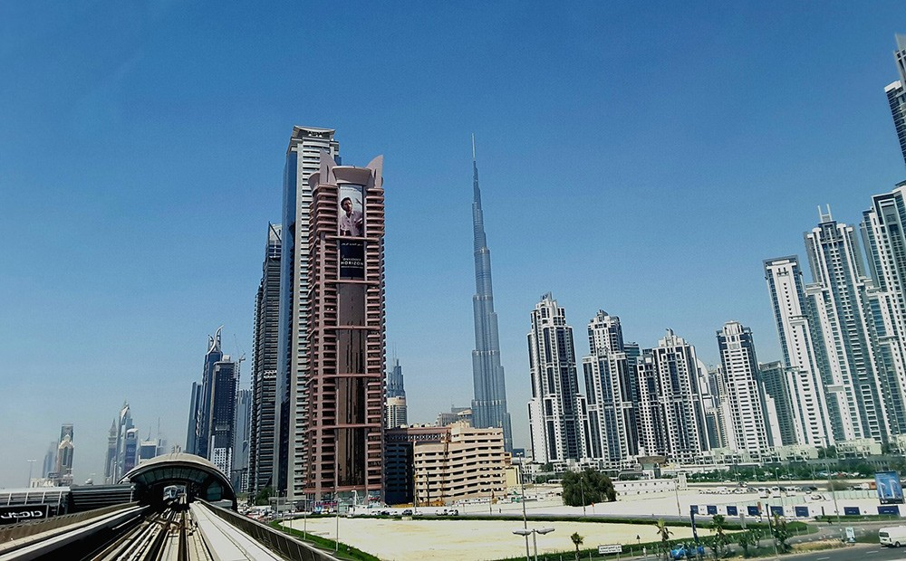 Getting around in Dubai: great public transport & taxis