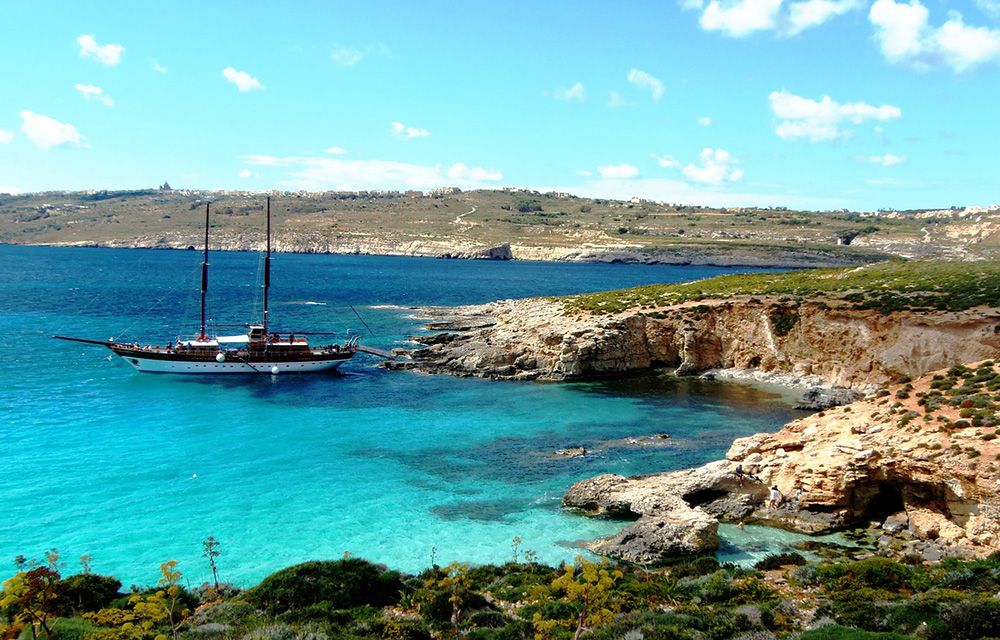 A luxury trip to Malta - luxury things to do in Malta: Comino sunset cruise