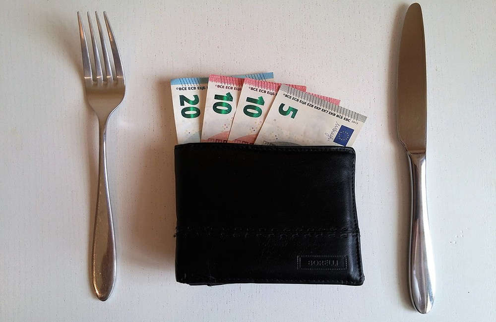 Things to know before traveling to Europe: tipping