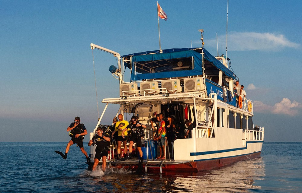 Diving at the Similan Islands, Thailand – a Review of My Liveaboard Trip with Sea Bees Diving