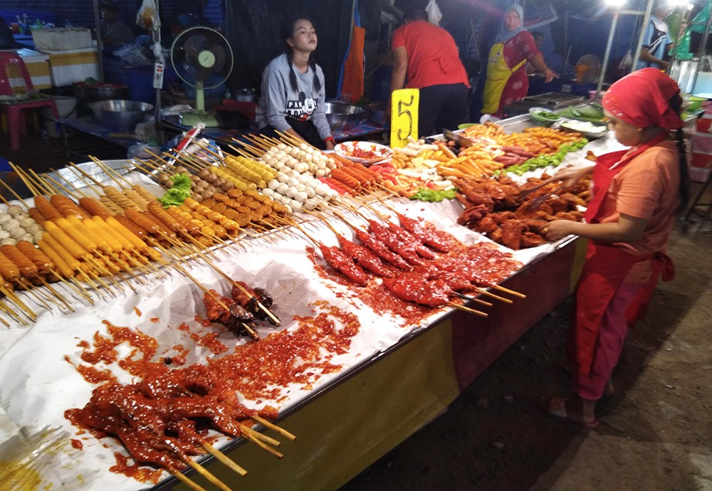 Things to know about traveling in Thailand - street food in Thailand